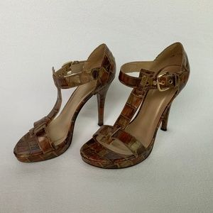 Stuart Weitzman righty Crocodile T-Strap Sandals